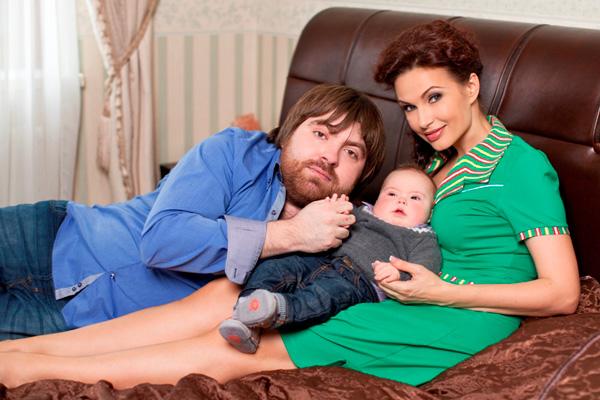Эвелина Бледанс будет вести курсы для родителей «солнечных» детей