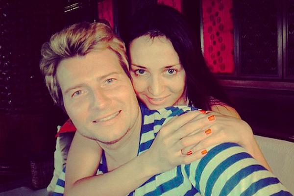 Маму Николая Баскова смущает профессия его невесты
