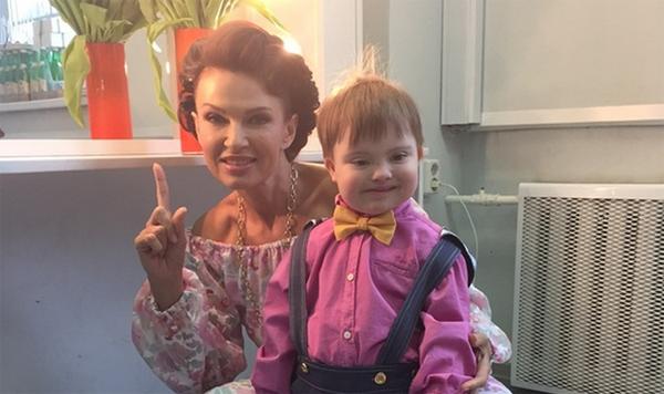 Эвелина Бледанс устроила праздник в честь 3-летия сына Семена