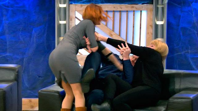 """Самый """"буйный"""" выпуск сезона: жена, любовница, внебрачные двойняшки и драка прямо в студии"""