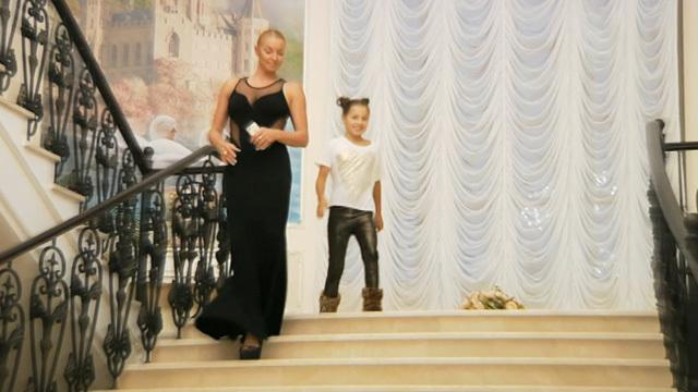 Впервые на телевидении: Анастасия Волочкова показывает свой новый дом!